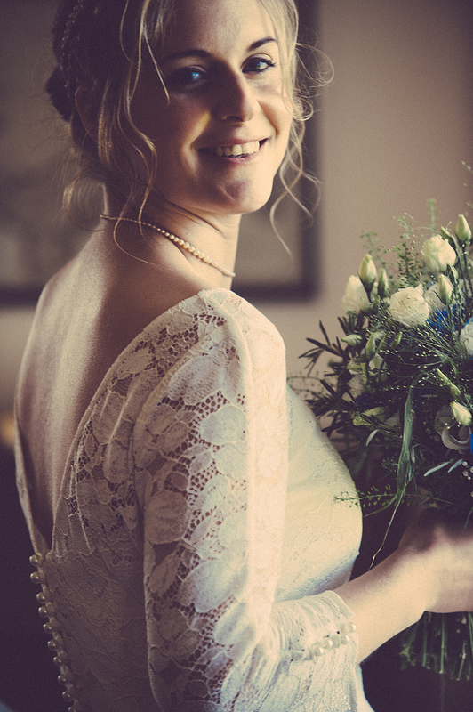 Leonie back butsle wedding dress